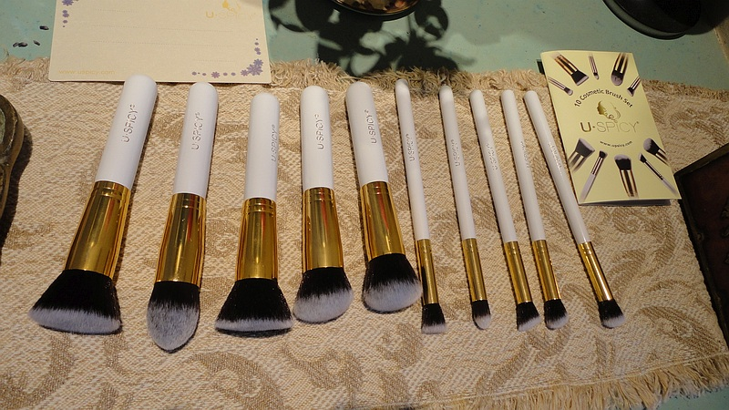 USpicy Set of 10 Make-up brushes