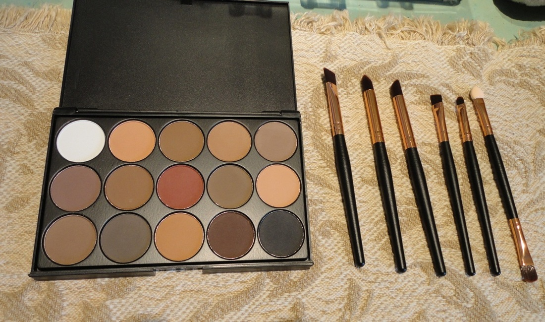 Start Maker Palette of 15 Natural Shades and 6 Eye Brushes